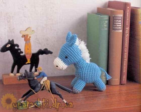 Вязаная лошадь