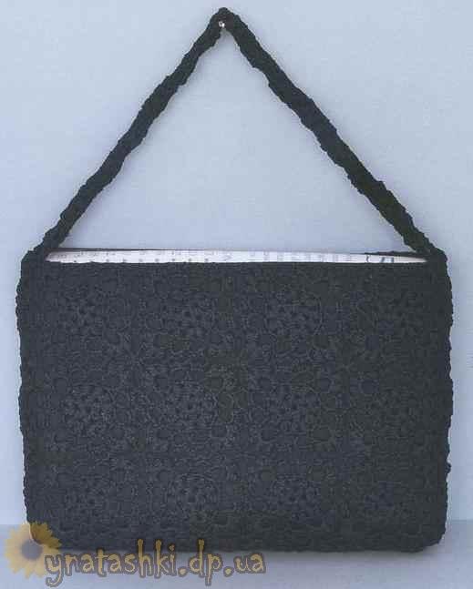 В такой сумке... крючком.  Хотите уберечь свой ноутбук от механических...