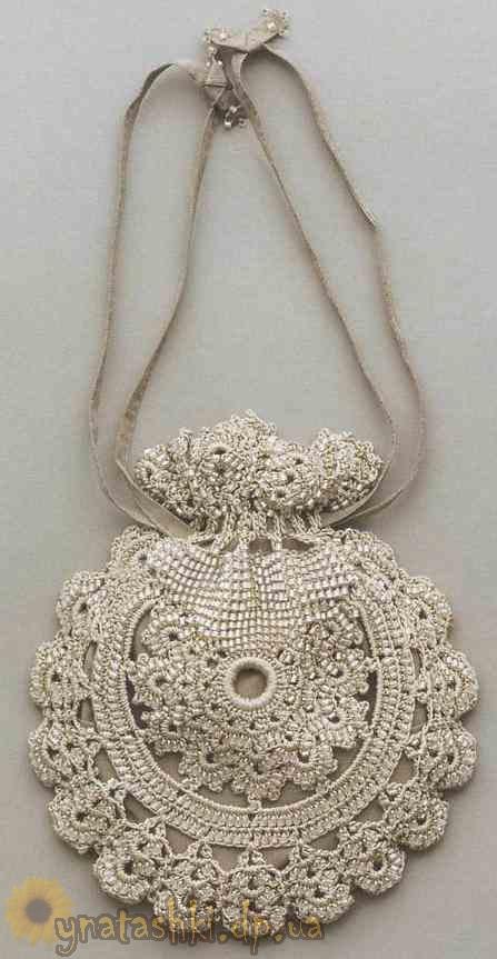 Вязаная сумочка с бисером