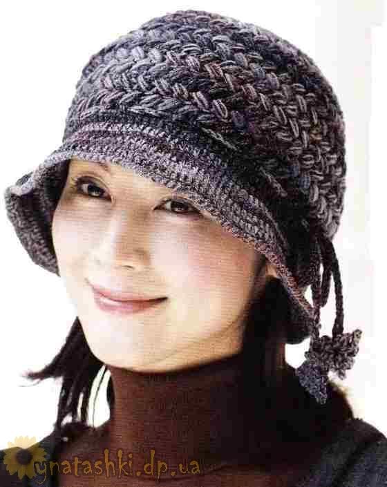 Вязаная шапка с полями
